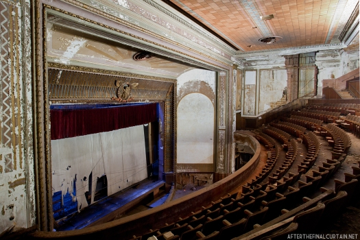 Side of balcony Victory theatre