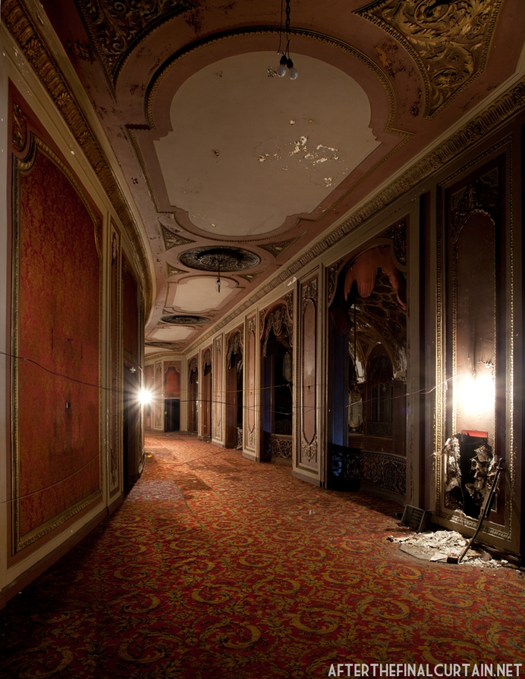 The foyer of the Loew's Kings Theatre