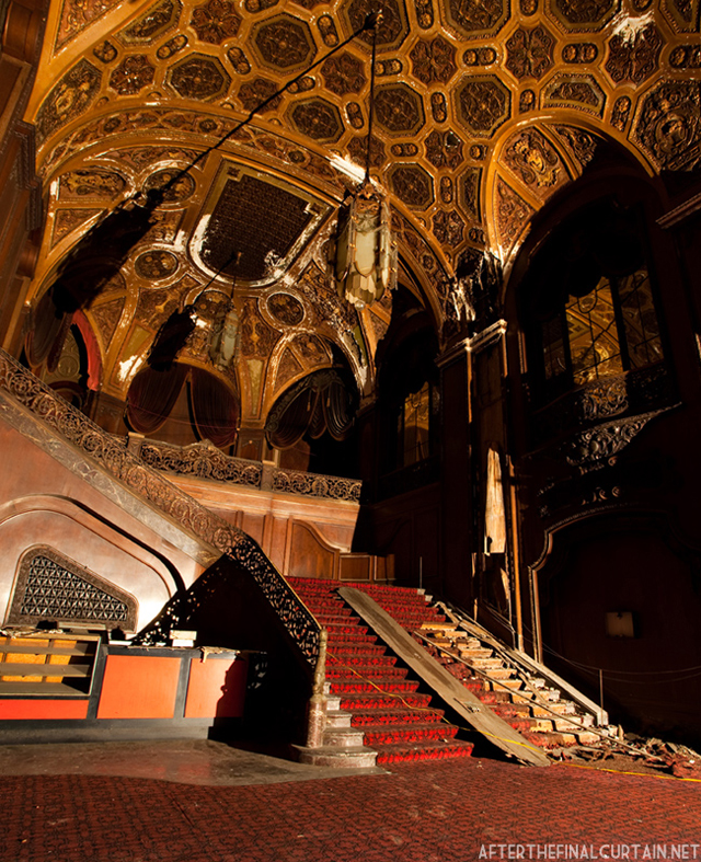 Lobby - Loew's Kings Theater