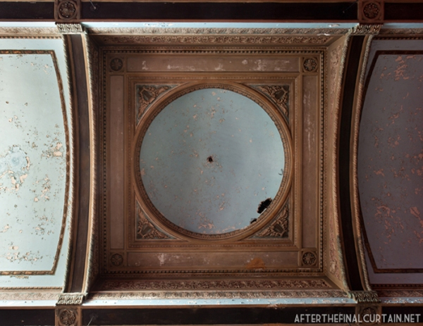 The lobby ceiling of the Lawndale theatre