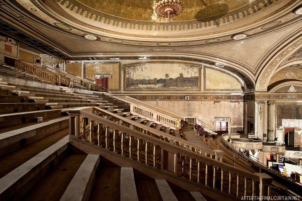 Loew S Majestic Theatre After The Final Curtain