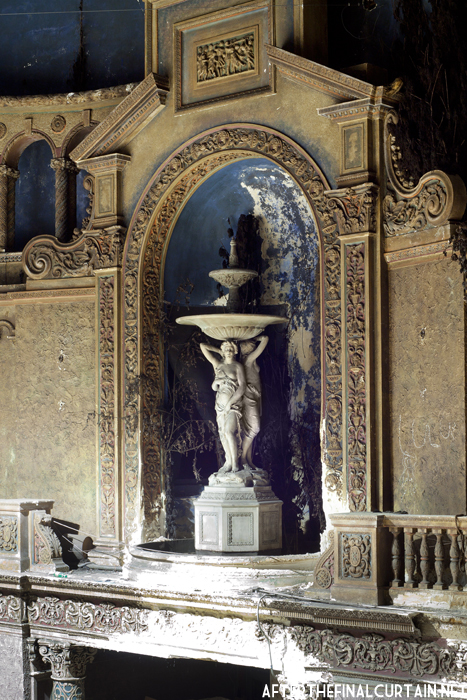 Fountain - Loew's 46th Street Theater
