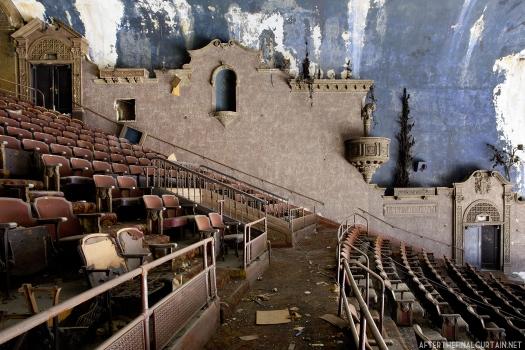 Balcony level - Loew's 46th Street Theater