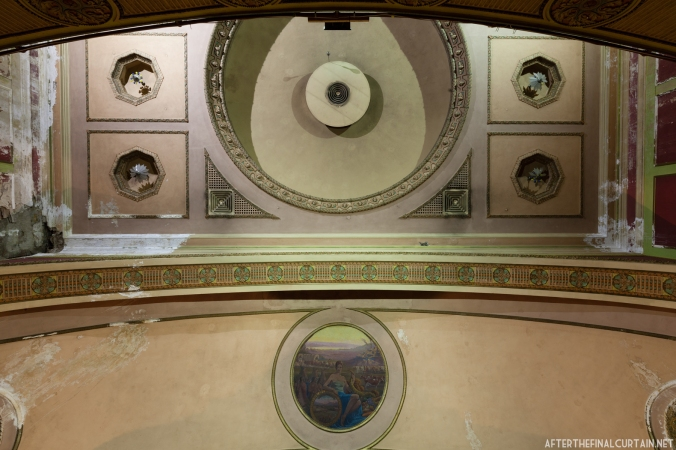 The dome in the center of the auditorium used to contain a replica of the night sky complete with twinkling stars.