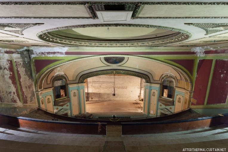 Jayhawk Theatre, Topeka, KS