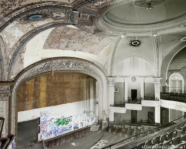 B&W image of the RKO Hamilton Theatre courtesy of the American Theatre Architecture Archive of the Theatre Historical Society of America