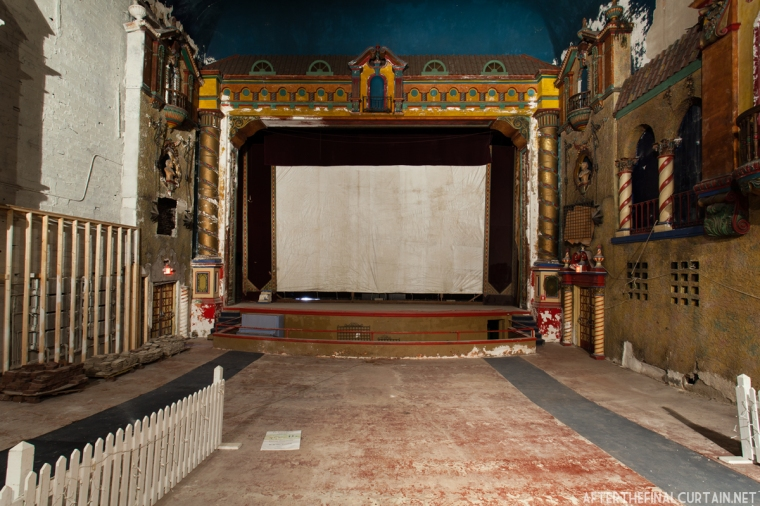 Russell_Theatre_004