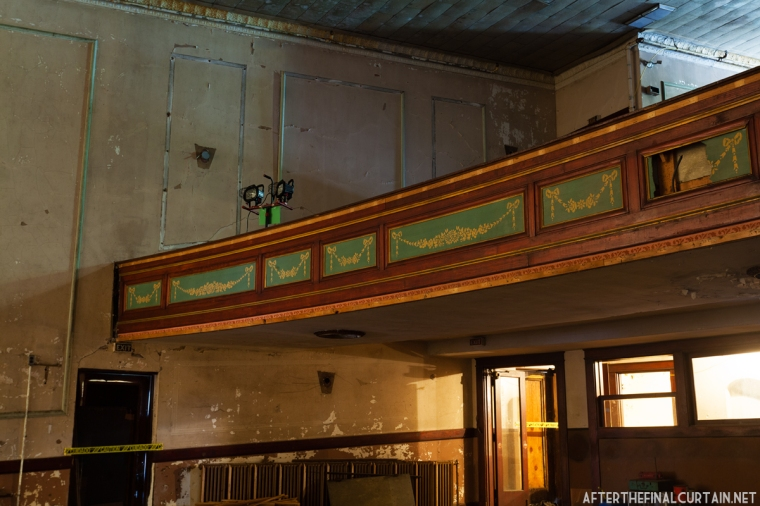 Colonial Theatre_015
