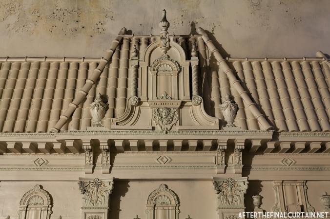 A close-up of some of the whitewashed plasterwork on the balcony.