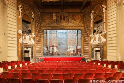 The theater originally opened with 1,095 seats, but seating was reduced to 908 after modern seats were installed in 1955.