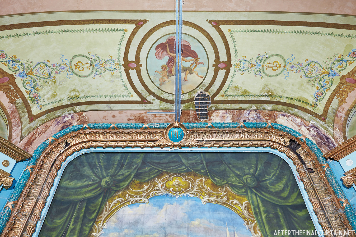 Proscenium arch, Colonial Theatre Laconia, NH